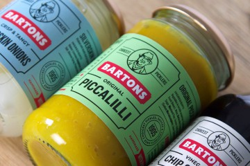 bartons-pickles-rebrand-label-detail